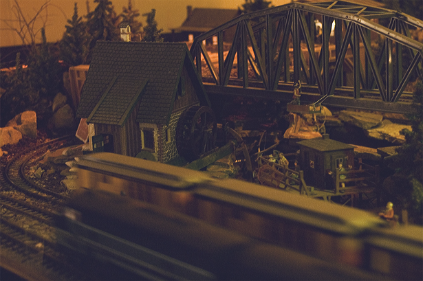 Winter Traditions: Train Display at Overlys © Kendra Kantor